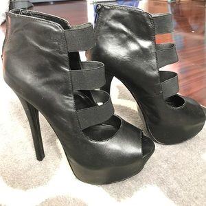 Steve Madden. Patent leather, black heels.
