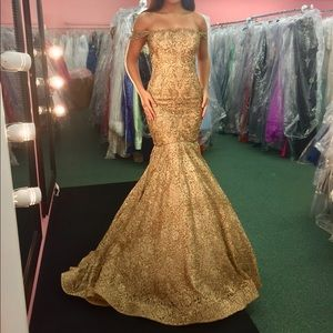 Sherri Hill Couture 2017 Gold Gown