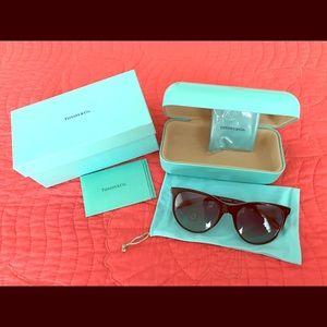 "Tiffany ""Return to Love"" sunglasses. TF4139"
