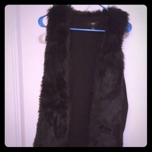 Black faux fur vest size medium