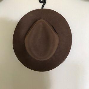 Wool floppy Hinge hat