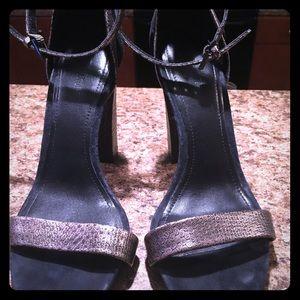 Pour La Victoire Ankle Strap Sandals Size 8