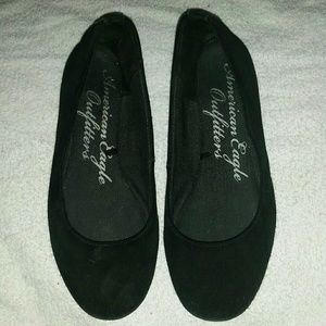 Womans American eagle flats