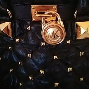 Michael Korrs shoulder bag.