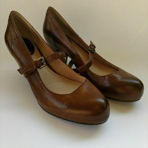 Frye brown leather heels