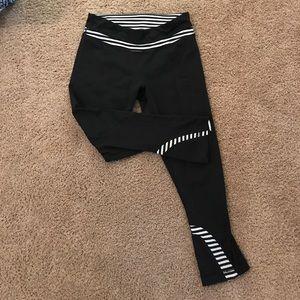 Lululemon legging capris size 6