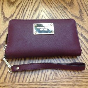 Michael Kors wristlet/tech wallet