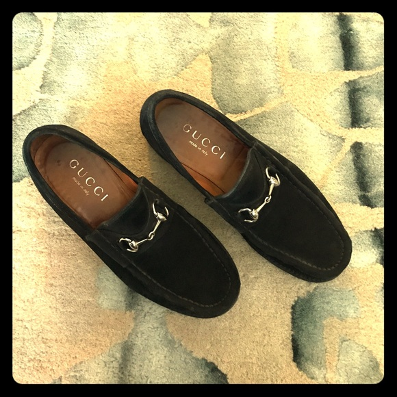 538f01ee Vintage Authentic Gucci Suede Loafers (Men's)