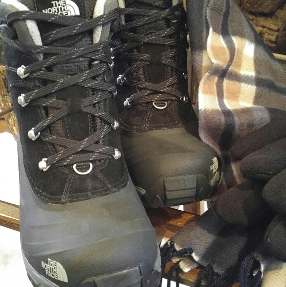 3ed5e4490bd Brand New Men's North Face Chilkat II Winter Boots