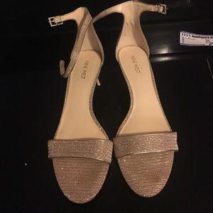 EUC super cute Nine West gold dress sandals sz 10