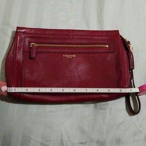 Beautiful Leather Coach Clutch/Wristlet.
