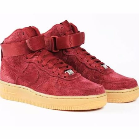 2e79a21871177 Nike Women s Air Force 1 Burgundy Suede High Top. M 59ee73912ba50a502c0f2b34