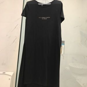 Long t-shirt with slits on the side