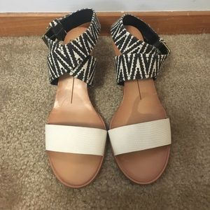 Dolce Vita white & printed wedges size 6