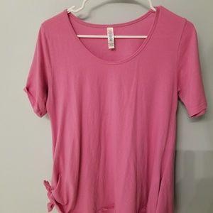 LuLaRoe pink perfect T small