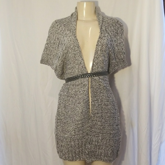 JJC Sweaters - New gray and black knitted cardigan shrug
