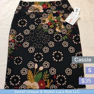 LuLa Roe Cassie pencil skirt. Smoke free home