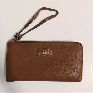 Coach Wristlet (Brown)