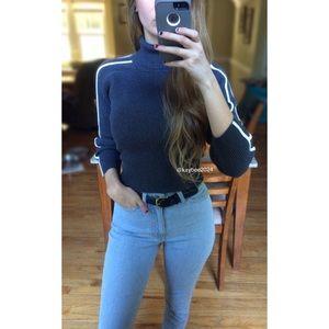 🍂 Vtg 90's Accent Stripe Turtleneck Crop Sweater