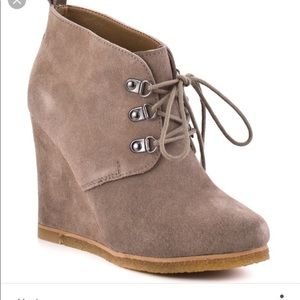 STEVE MADDEN Wedge Booties Size 6.5