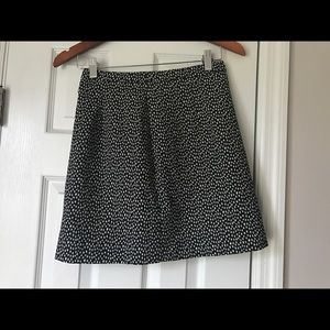 ⭐️Express Black and White Star Print skirt Sz 0⭐️