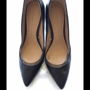 Zara Pointy-toe black pumps
