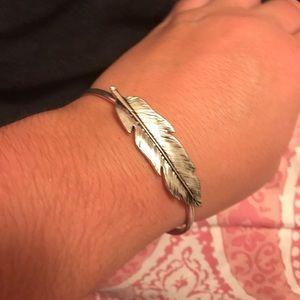 Feather bangle