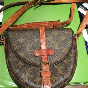 Authentic LV Chantilly Pm Shoulder bag.