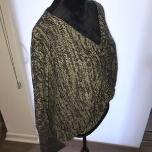 ANGL Sweater ❤️