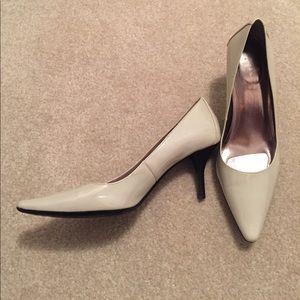 Women's Calvin Klein Dolly pointed toe pump
