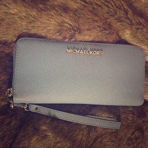 NEW Michael Kors Leather Continental Wallet