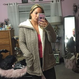 Worn once forever 21 sherpa coat