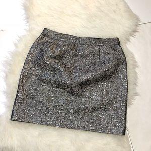 Banana Republic• Metallic textured mini skirt