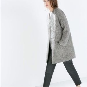 Zara gray oversized fuzzy collarless car coat Med