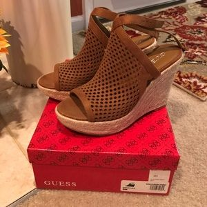 Guess wedges brown
