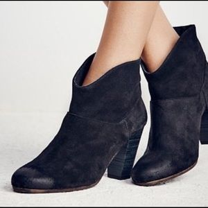 FREE PEOPLE X JEFFREY CAMPBELL Suede Booties