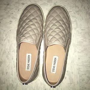 Steve Madden slip on sneakers- ECNTRCQT