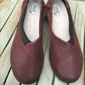 Clarks Cloudstoppers Burgundy Slip On's 9.5W NEW