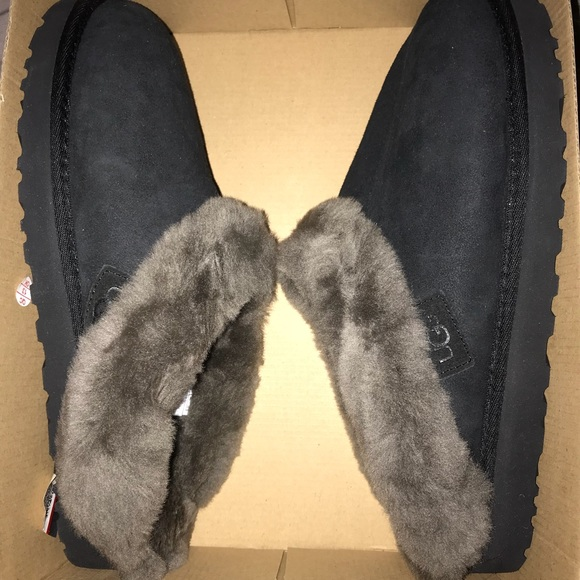 05bb858c907 Women' Ugg Cluggette Slippers Size 11 NWT