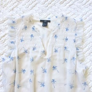 H&M blue palm tree sleeveless blouse size 4