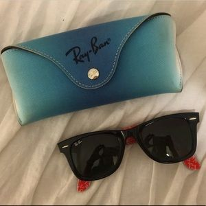RayBan Wayfarer Sunglasses with Case