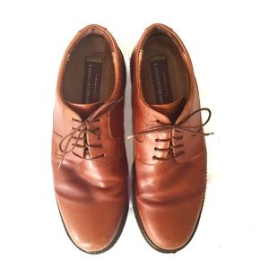 Johnston & Murphy caramel lace up dress shoes