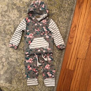 Other - Adorable Hooded shirt and pants
