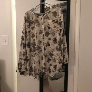 Merona Women's blouse with floral design