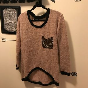 Oversized high low knit sweater w/ sequin pocket