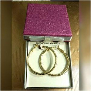 18 carat diamond cut hoop earrings