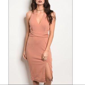 Mauve bodycon vneck dress w/thigh slit, new!