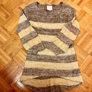Romeo & Juliet Couture hi low tunic sweater