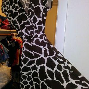 I°N°C° International Concept giraffe print dress