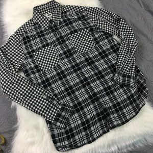 Uniqlo Black & White Checkered Plaid Flannel Shirt
